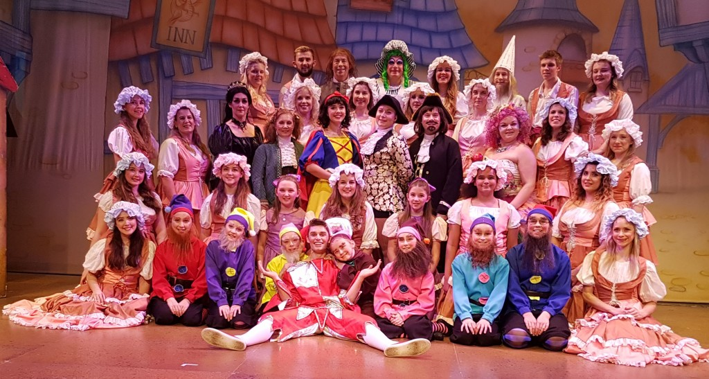 Snow White Cast 2017